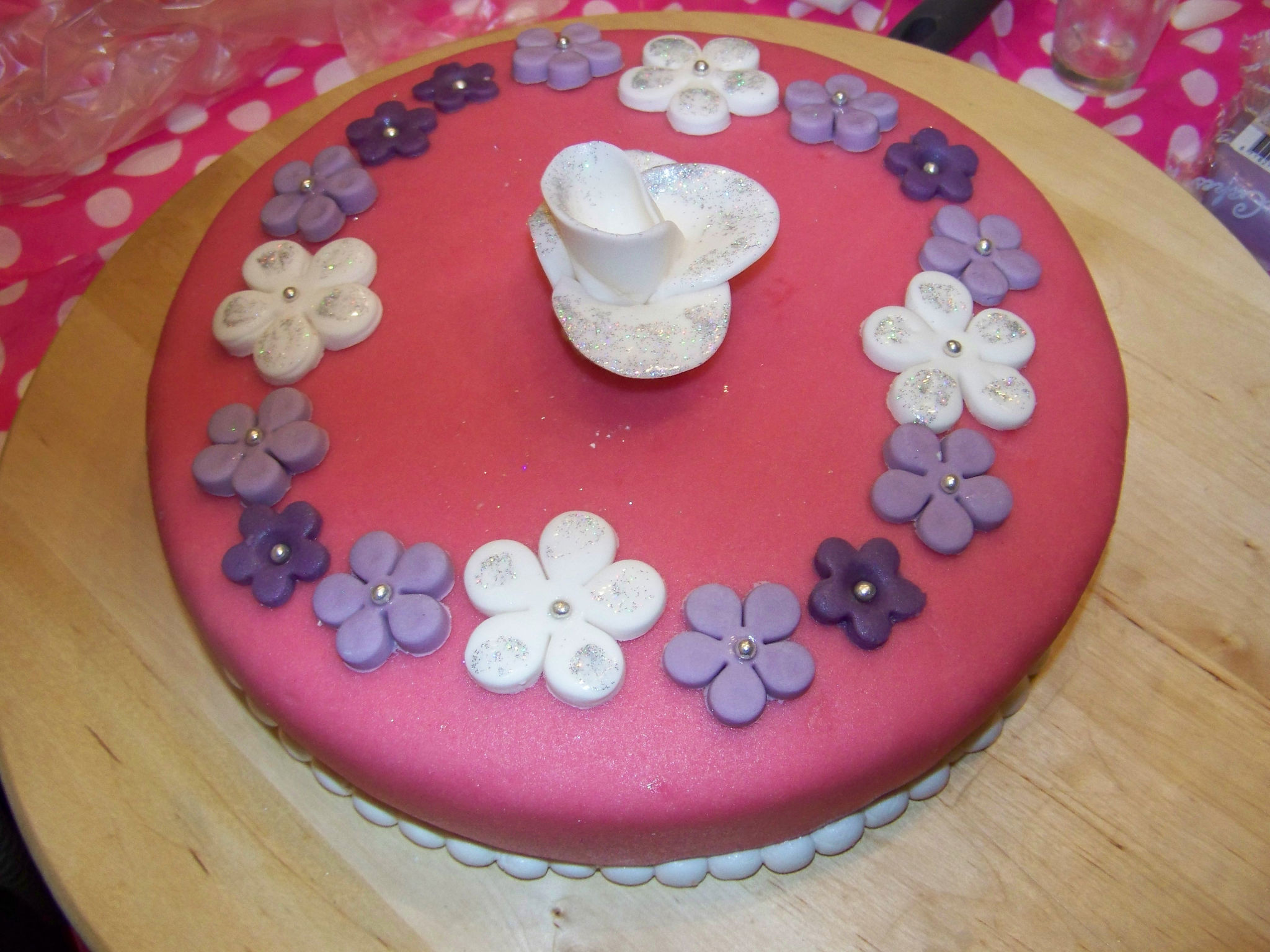 cake versieren met cake ideas and designs. Black Bedroom Furniture Sets. Home Design Ideas
