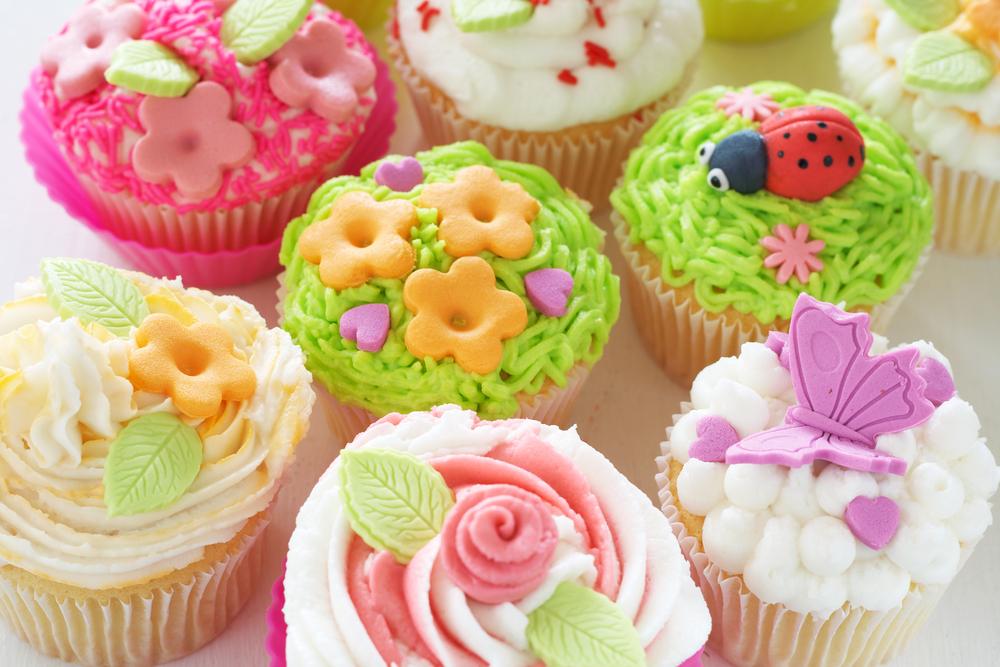 Cake Design Cupcake And Bakery Bari : Cupcakes recept Taarten maken, taart bakken en cupcakes ...