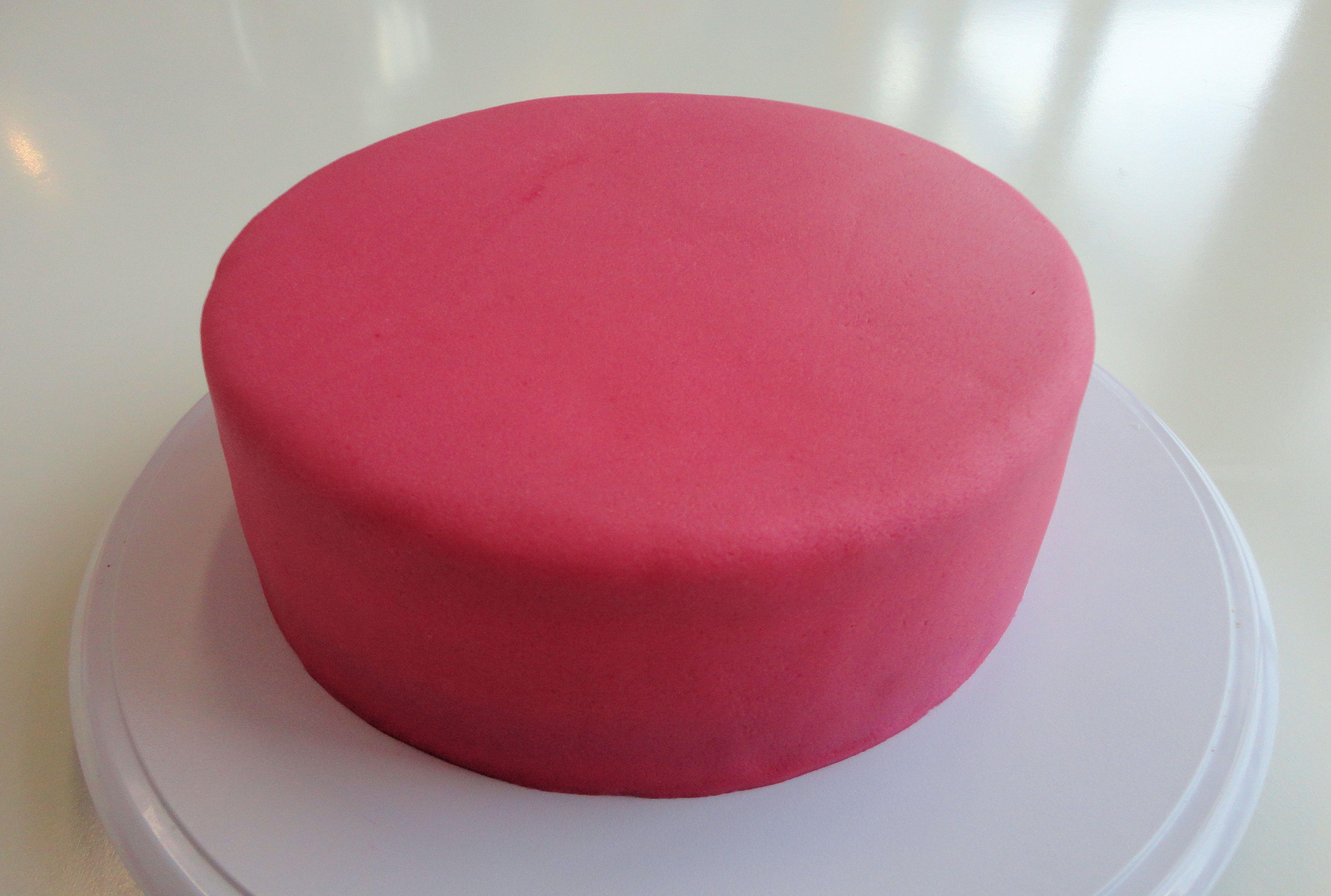 How To  Een taart bekleden met marsepein of fondant